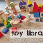 Biblioteca de juguetes. El paraíso de los niños y de los padres.