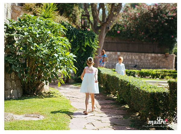MME_1comunion_jardinIglesia